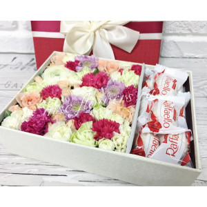 "Цветы с макарони ""Сладкий комплимент"""