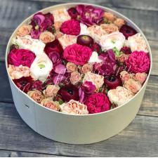 """Цветы в коробке """"Пионовидный коктейль"""""""