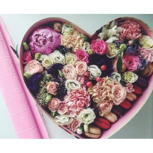 """Цветы с макарони """"Сердечный друг"""""""