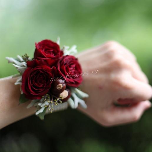 Браслет из бордовой розы