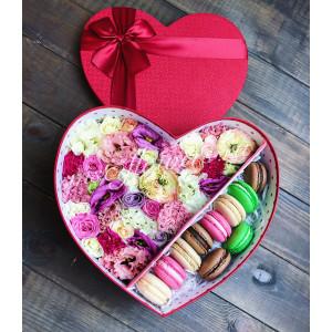 """Цветы с макарони """"Красное сердце"""""""