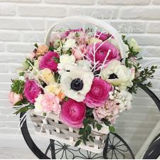 """Корзина цветов """"Зимний сад"""""""